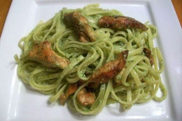 Pesto-Pasta-with-Grilled-Chicken