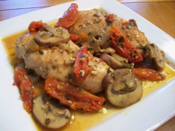 Chicken-with-Sun-Dried-Tomatoes-and-Mushrooms