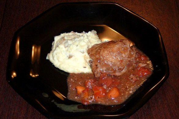 Coq-au-Vin-with-Roasted-Garlic-Mashed-Potatoes