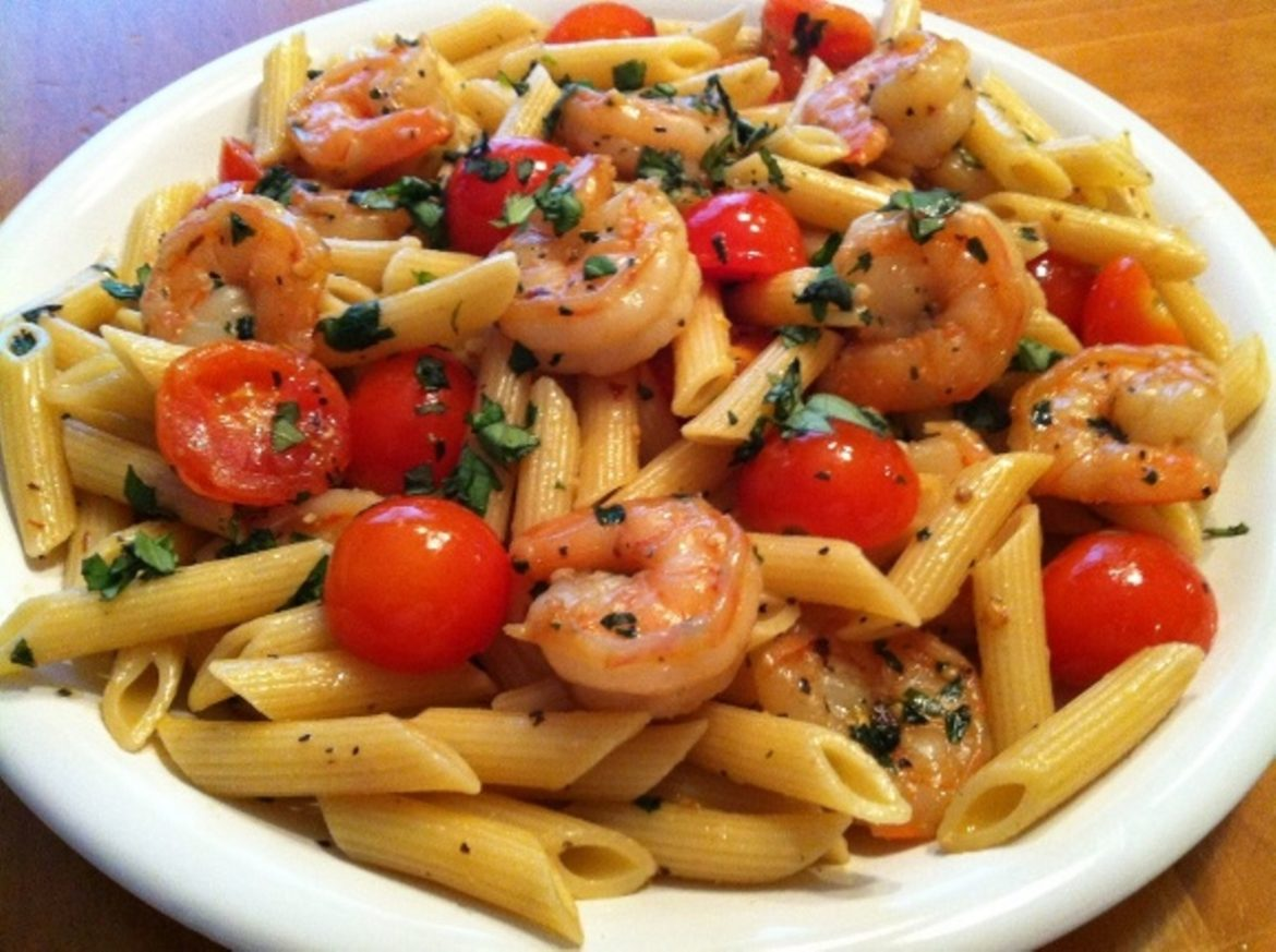 Garlic-Shrimp-Pasta-with-Tomatoes