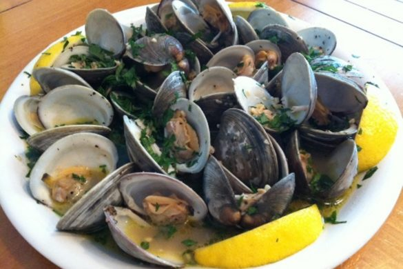 Sauteed-Clams-in-White-Wine-Sauce